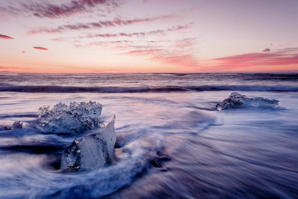 La playa de los diamantes en Islandia